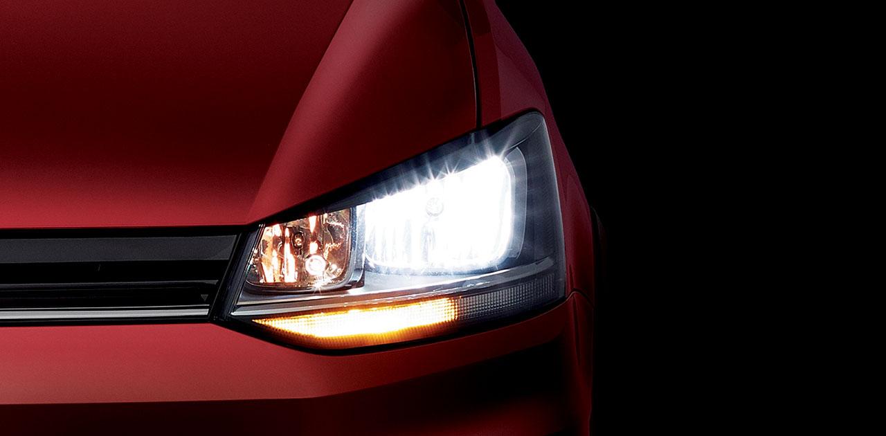 Dietrich VW Volkswagen Suran Cross faro
